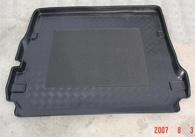 Land Rover Discovery 3 and 4 Antislip Boot Liner for 7 Seater